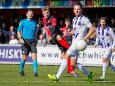 Niek Versteegen levert contract in bij De Treffers