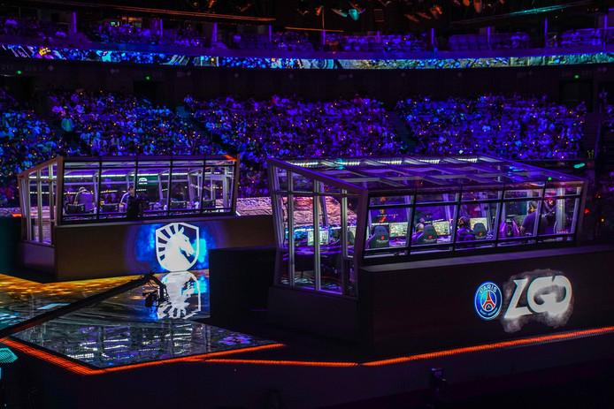Team Liquid en PSG.LGD nemen het tegen elkaar op tijdens The International Dota 2 Championships in Shanghai