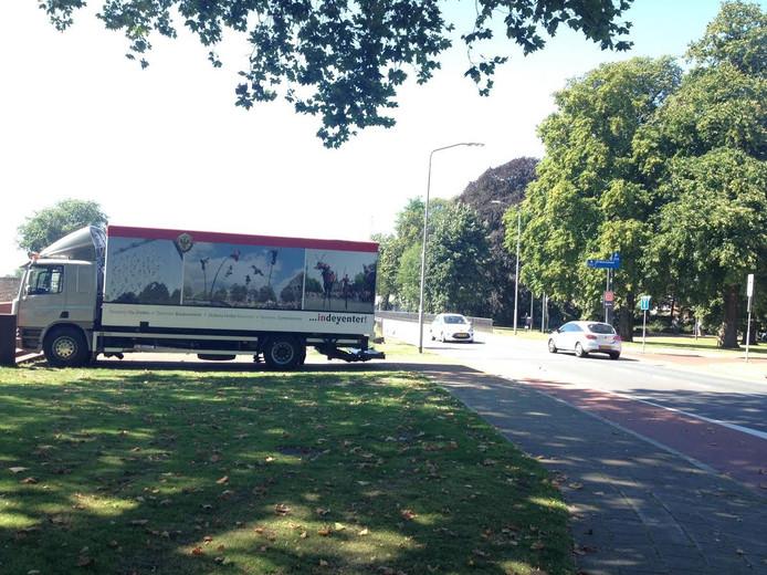 Vrachtwagen over Deventer