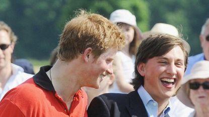 Harry werd er stevig door gesleurd tijdens de speech van zijn beste vriend