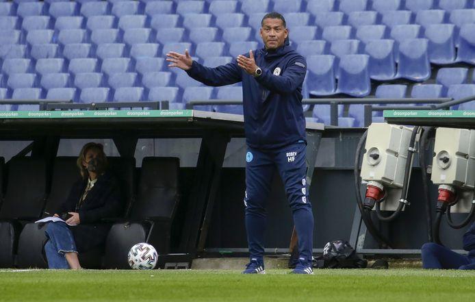 Henk Fraser als trainer van Sparta in de Kuip tijdens het duel met Feyenoord. Zit hij volgend seizoen in de andere dug-out?