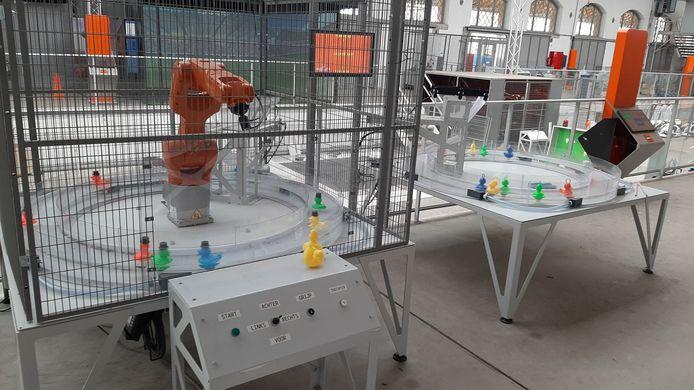 Robotland Essen. Eendjes vissen. Wie is sneller: de mens (re) of de robot?