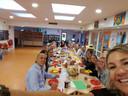 Op obs De Twee Wieken in Zwijndrecht was het een gezellige boel tijdens een ontbijt.
