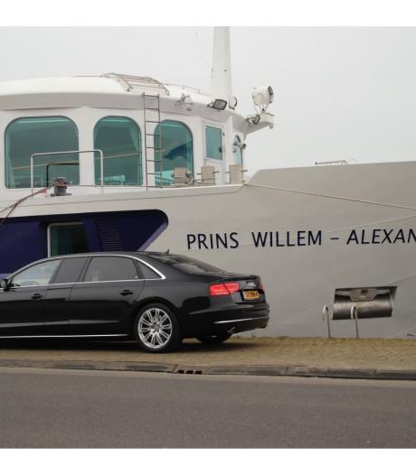In deze auto rijd je als koning Willem-Alexander, en hij is te koop