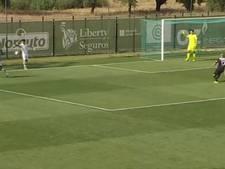 Reservespeler Sporting B veroorzaakt penalty