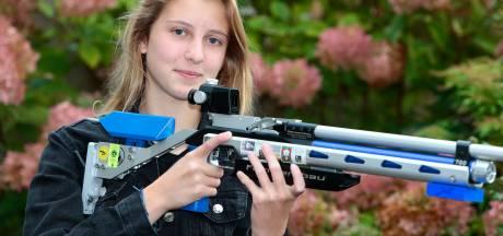 Jill (13) schiet met scherp en is Nederlands kampioene 'opgelegd schieten'