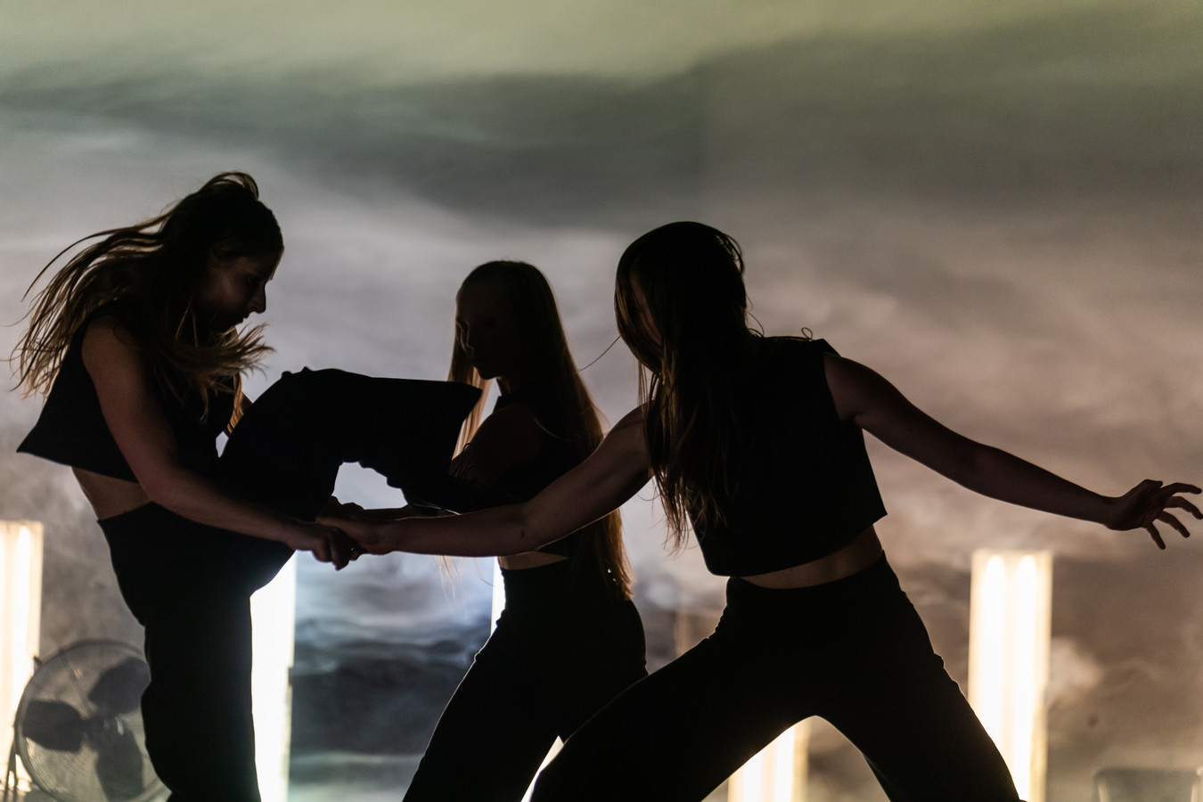 Scène uit 'NachtHexen II: La Parisienne' van Jens van Daele.