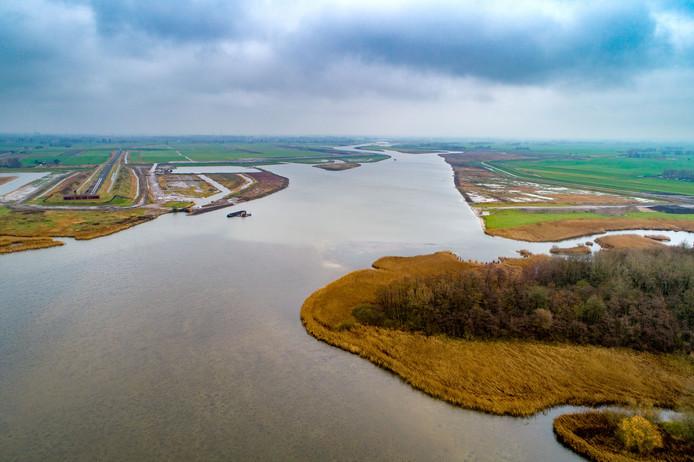 Monding van het Reevediep in het Drontermeer. Het Reevediep wordt een waterverbinding tussen de IJssel bij Kampen en het Drontermeer bij Noordeinde.