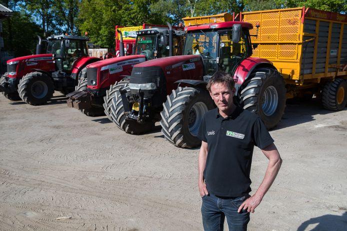 Failliet is Loonbedrijf Volkerink in Heino niet, maar eigenaar Louis Claessens moet wel stoppen. ,,Ik ben op zoek geweest naar de beste oplossing. Na gesprekken met de bank heb ik besloten om een begroting te maken en alles te veilen.''