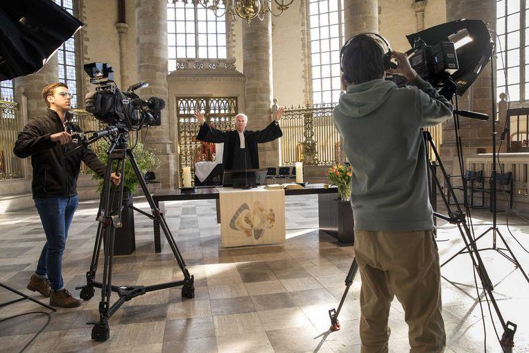 De paasdienst wordt opgenomen in de Laurenskerk in Rotterdam, met predikant Bernard van Verschuer. De dienst zal online en op televisie worden uitgezonden. Beeld  Arie Kievit