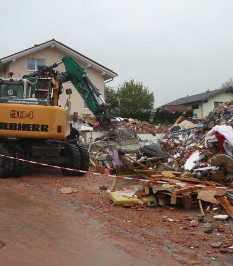 Twee doden door enorme explosie die Duits huis compleet verwoest