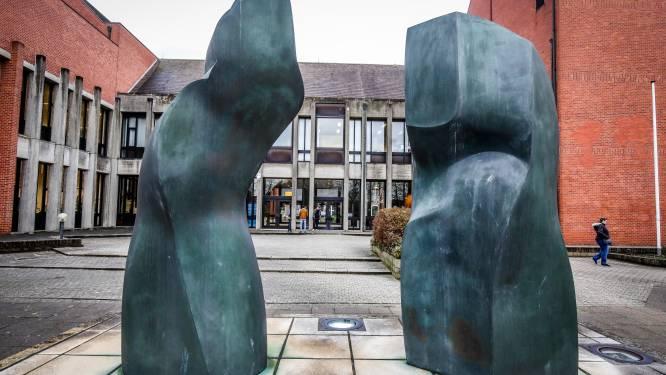 Aannemer krijgt jaar cel voor sociale dumping die aan het licht kwam bij controles op werven in Heule en Waregem