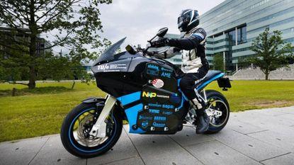Studenten rijden in 80 dagen de wereld elektrisch rond