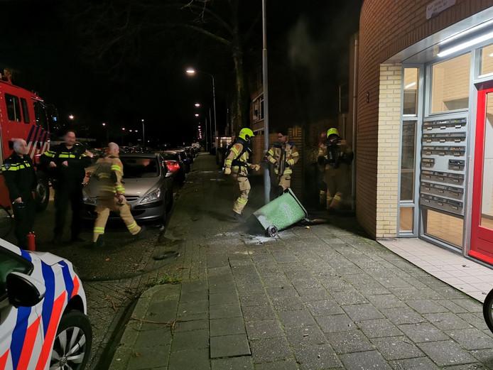 De brandende container aan de Troelstraweg in Wageningen was snel geblust.