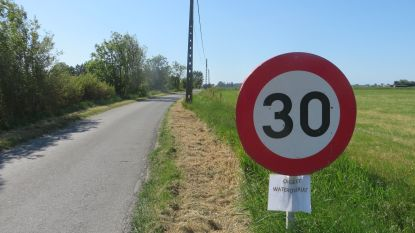 Terwijl het kurkdroog is, waarschuwt gemeente Alveringem voor... wateroverlast
