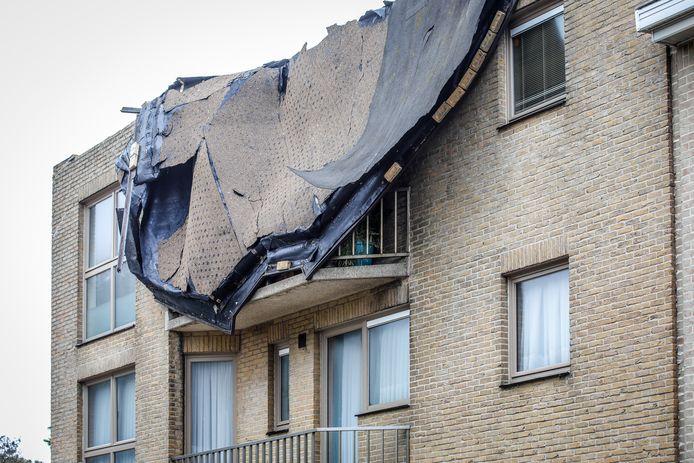 In Wenduine moest een woning ontruimd worden nadat het dak eraf was gevlogen.
