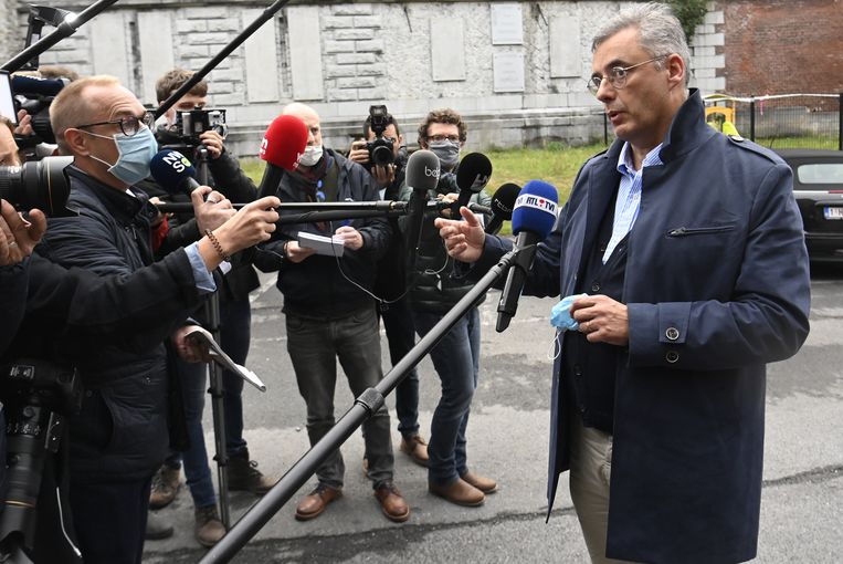 Joachim Coens staat de pers te woord na een lange meeting met de mede-formateurs en onderhandelaars van de Vivaldi coalitie in Brussel.  Beeld Belga