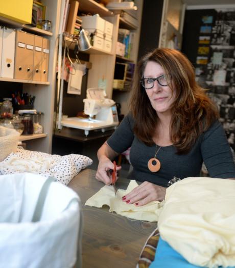 Jenny uit Geesteren blaast kleding van overledenen nieuw leven in