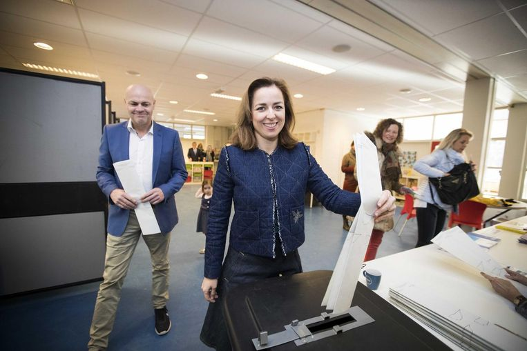 PvdD-leider Thieme brengt haar stem uit. Beeld anp