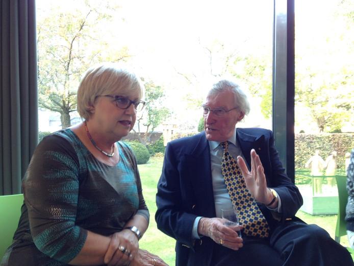 Een verhelderend gesprek tussen oud-burgemeester Gerard Scholten en burgemeester Jetty Eugster.