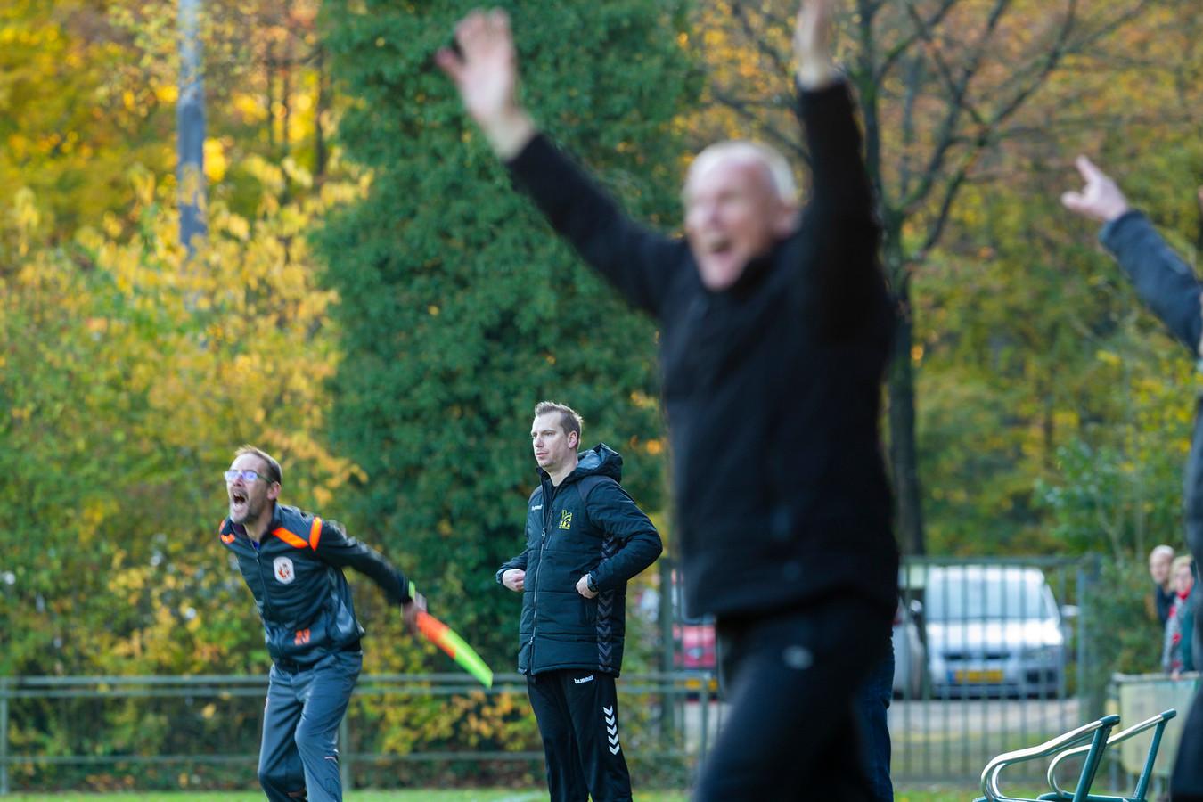 Plezier bij Emst in de derby tegen Wissel (2-5 winst). De dorpsclub heeft nu te horen gekregen dat zij alsnog promoveert naar de vierde klasse.