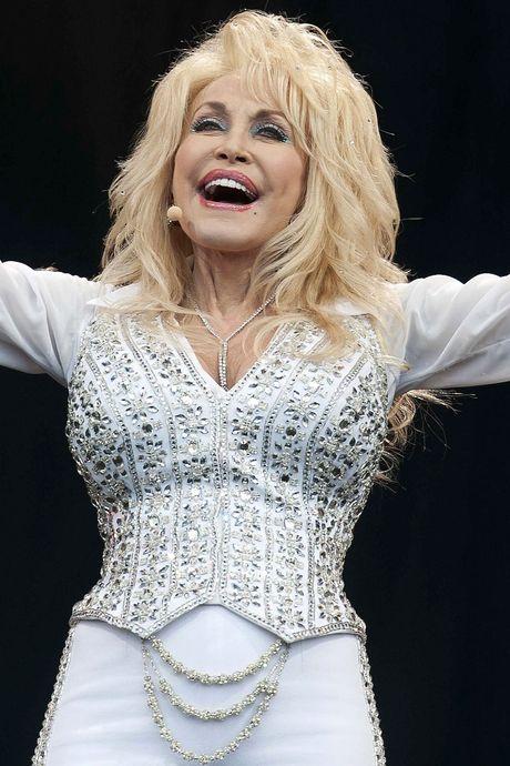 Dom blondje? Welnee! Waarom jong en oud wegloopt met Dolly Parton