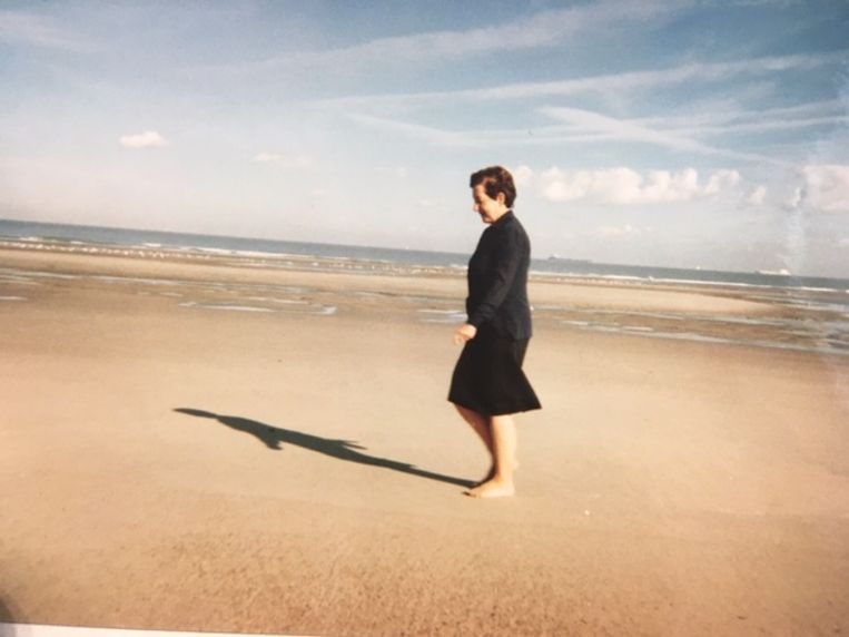 Slachtoffer Josée Widdershoven op uitstap in Cadzand, twee jaar voor haar dood.