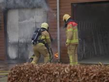 Garage brandt uit in Putten: flinke rookontwikkeling