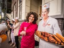 Cora van Mora brengt feestnummer over bitterballen uit