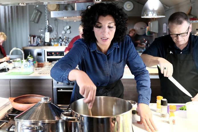 Nadia uit winterswijk wint gouden kookboek achterhoek tubantia.nl