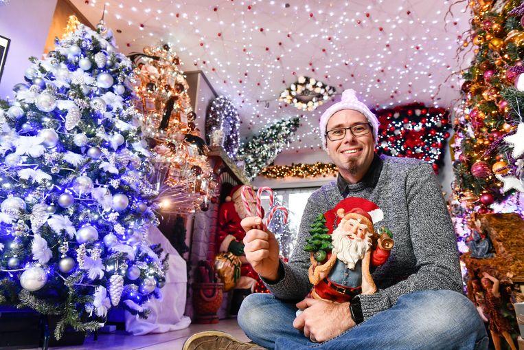 Dennis Pluy zet dit jaar voor de allerlaatste keer de deur open van zijn Kersthuis. Vanaf volgend jaar zal hij enkel nog z'n gevel versieren.