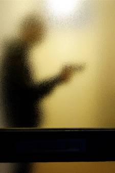 'Huisvriend' ontkent jarenlang uitbuiten verstandelijk beperkt stel, OM overweegt tbs