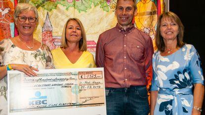 Landelijke Gilde Elzestraat overhandigt cheque van 1.575 aan lokaal goed doel