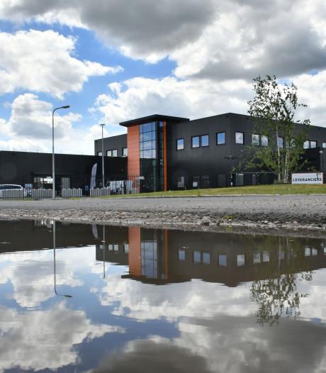 Wethouder en Platform Detailhandel betreuren vertrek Foto Konijnenberg naar Almelo