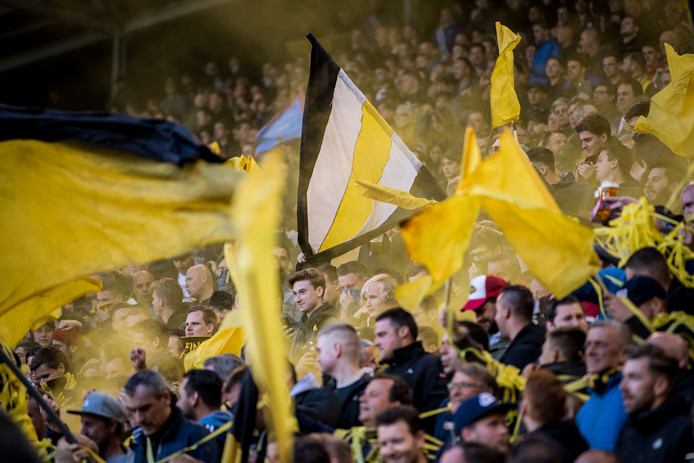 Vitesse-fans tijdens de play-offs van dit seizoen.