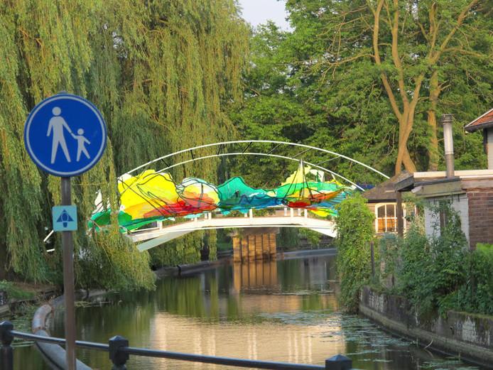 Een impressie van een van de Borculose bruggen.