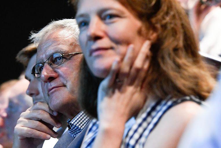 Caroline Bastiaens naast Kris Peeters. Haar politiek mandaat in Antwerpen zit erop.