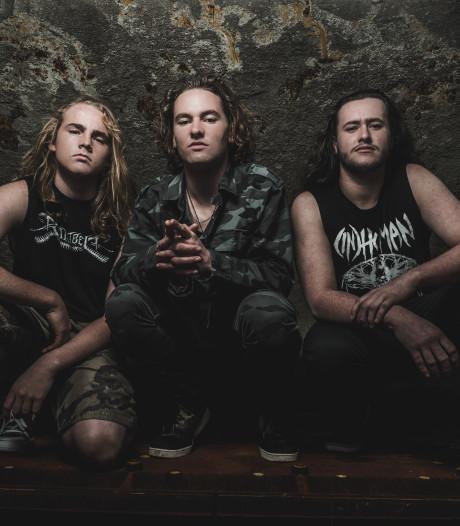 Maori's rocken in eigen taal op Dynamo Metal Fest in Eindhoven