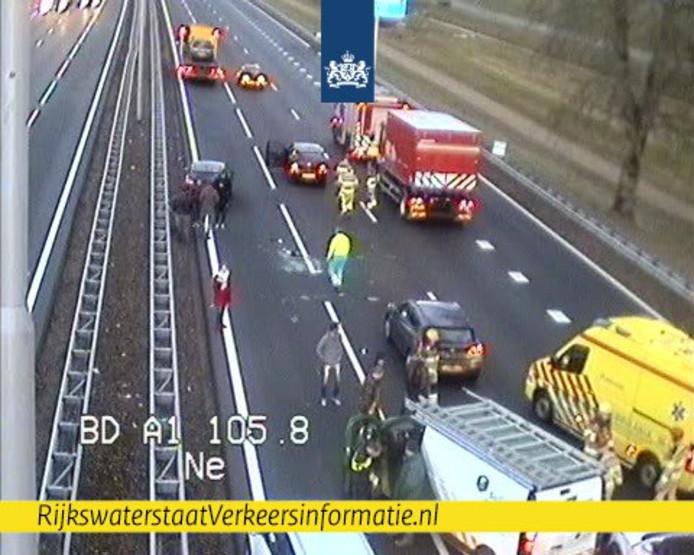 Ongeluk op de A1 bij Deventer.