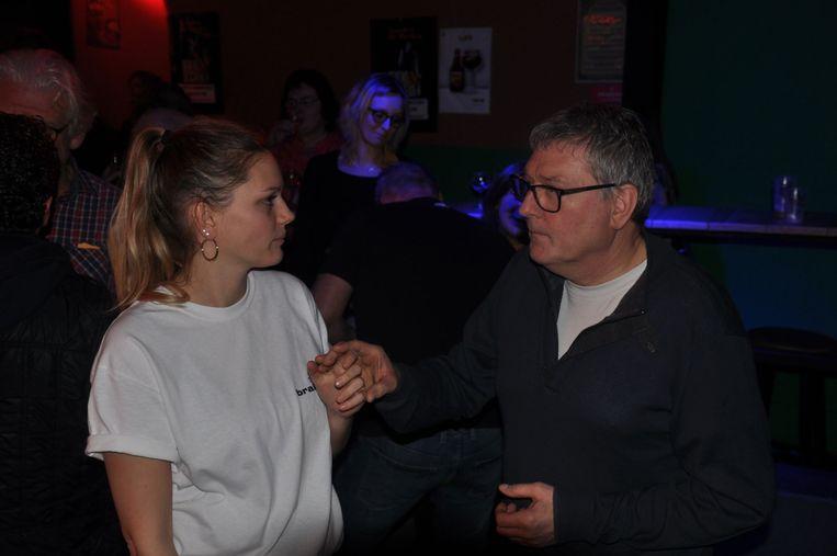 Dochter Daniëlle, aan het dansen met papa Donaat op de TD.