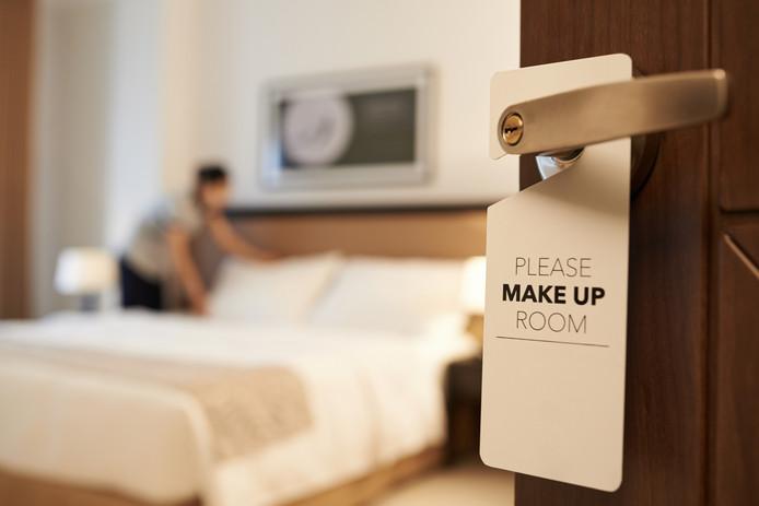 De Spaanse hotelketen NH heeft NH Best en NH Geldrop verkocht.