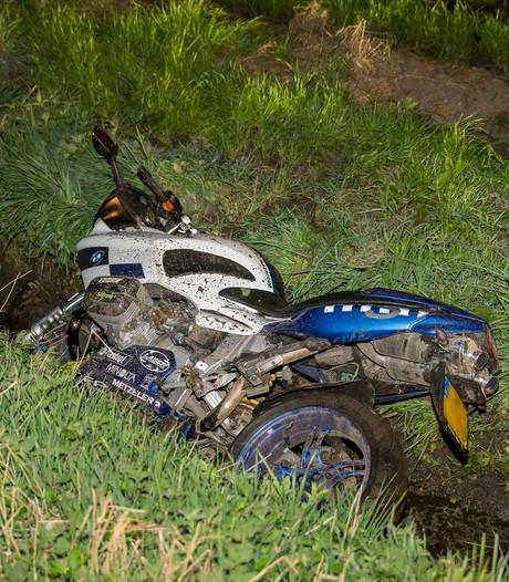 Motorrijder gewond bij ongeval Baarle-Nassau: motor in sloot