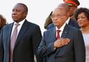 De twee hoofdrolspelers in de Zuid-Afrikaanse regeringscrisis: vicepresident Cyril Ramaphosa (links) en president Jacob Zuma.