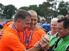 Oude rot uit Albergen wint NK klootschieten: 'Ze vlogen me om de nek'