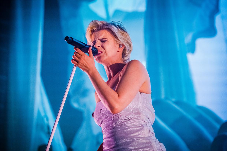 De Zweedse zangeres Robyn zorgde voor een van de leukste feestjes van de zondagavond. Beeld Ben Houdijk