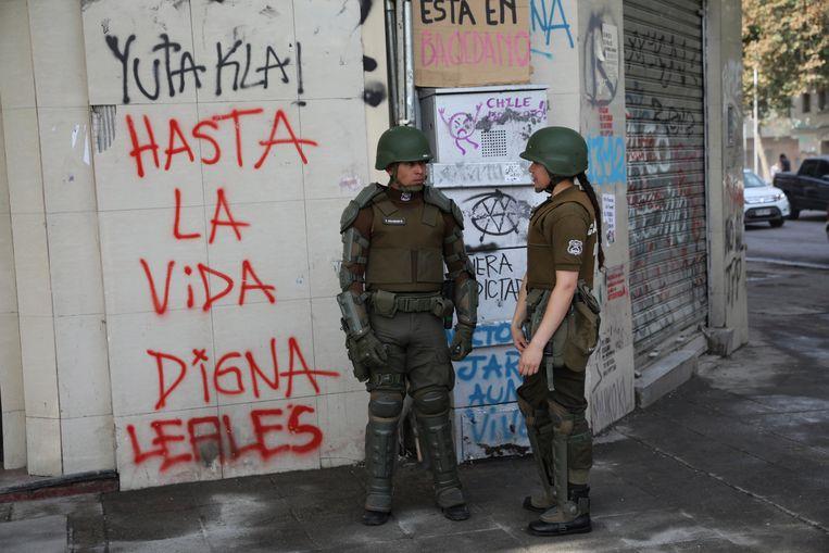 Agenten in hoofdstad Santiago