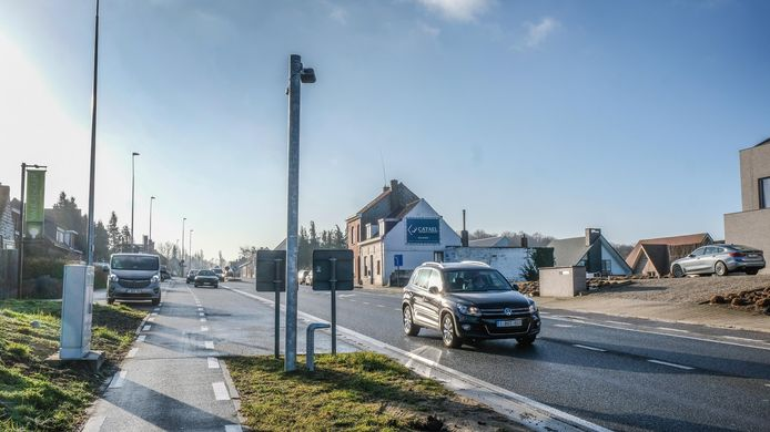 archiefbeeld van de trajectcontrole op de Doornikserijksweg, tussen Bellegem en Kooigem