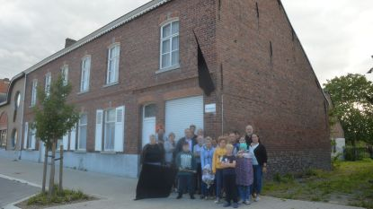Gemeente kent voorwaardelijke vergunning toe voor sociaal woonproject in Heldergemstraat: misnoegde buurtbewoners wenden zich tot deputatie