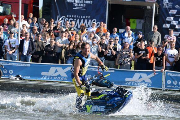 Niels Willems is Europees kampioen freestyle jetskiën.