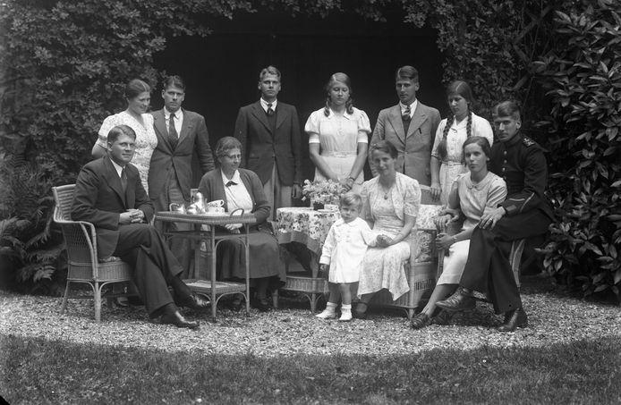 De familie Van Tuyll vlak voor de Tweede Wereldoorlog.